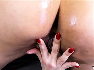 steaming cougar Mercedes Carrera gets a buttfuck foray