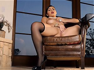 sultry stunner Valentina Nappi looks epic as she plays