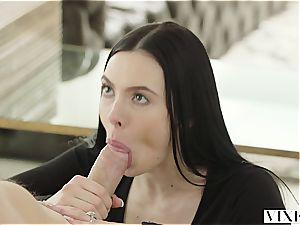 Marley Brinx has an extramarital escapade with her boss Mick
