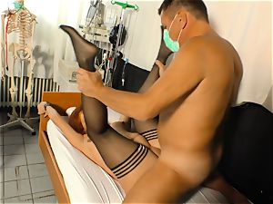 hardcore Omas - Mature German torn up by physician in his office
