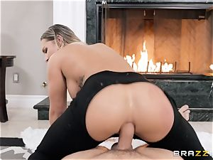 Cali Carter taking it rock-hard in her donk