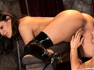 Alluring Charley chase gets plaything pulverized by Lisa Ann