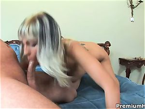 sweetheart Adrianna Russo juggles her cooter on a hefty salami
