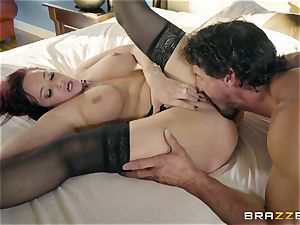 Tommy deeply inside Tory Lane