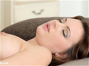 Emily Thorne and Ale delicious in Morning adventure le