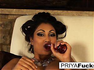 Indian milf Priya taunts then satiates her wondrous wet fuck hole