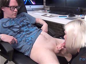 super-fucking-hot cougar Lacey Starr schlong blowing