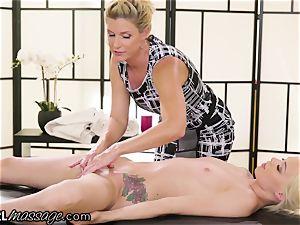 nasty nubile Elsa Jean rubbed by super hot milf professor