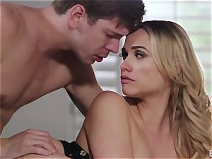 Markus Dupri bangs youthful stunning Neighbor Mia Malkova