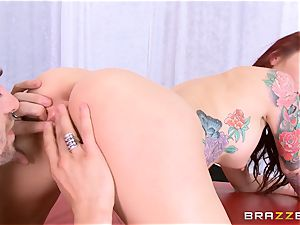 beautiful cougar Monique Alexander demonstrates you how she loves to smash