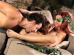 forest damsel Aidra Fox puts partying on hold for her guy