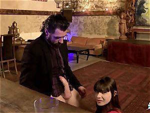 LA COCHONNE - super-hot French nubile Luna Rivel in dp threesome