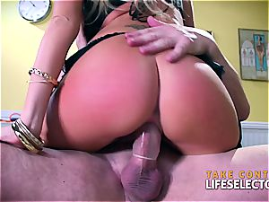milf platinum-blonde likes the doctor's massive fuckpole