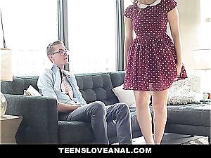 Valentina Nappi enjoys anal invasion with her beau