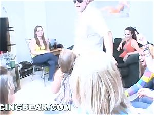 DANCINGBEAR - exclusive Delivery for school girls