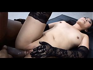 diminutive asian sex industry star Evelyn Lin idolizes dark-hued cock
