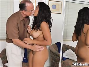 senior and college gal internal cumshot mommy gonzo Glenn finishes the job!