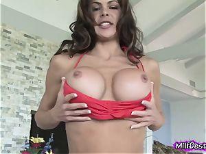 fabulous mummy Gives a tit job