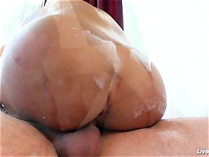 LiveGonzo Lisa Ann Mature mommy orgasm