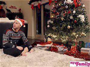 Stepbro's Christmas three way And sis internal ejaculation S5:E6