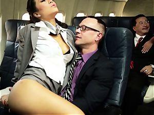 Asa Akira and her hostess pals plumb on flight