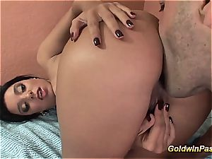mexican babe gets deep ass fucking hook-up