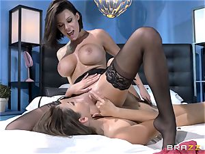 Peta Jensen and Allie Haze having super-fucking-hot kinky lezzie hookup