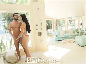 SPYFAM man-meat seizing Step sister Ambushes Step brother
